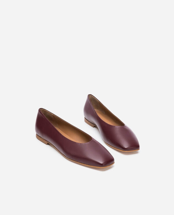 NIKKY SHOES; BURGUNDY LAMB LEATHER; FLATTERED