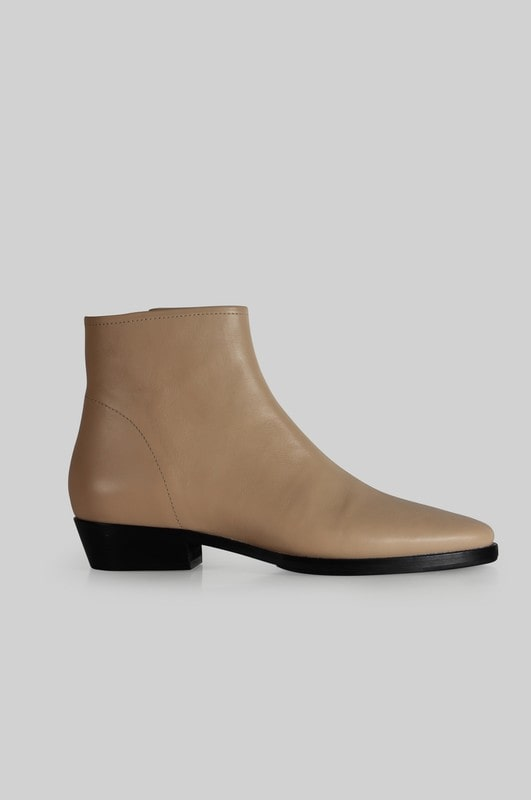 BAIGE SHOES ANOTHER PROJECT CHELSEA BOOTS IN NUDE LEATHER